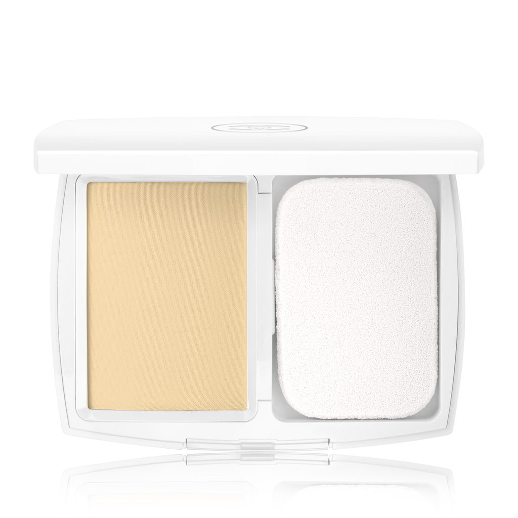 LE BLANC LIGHT MASTERING WHITENING COMPACT FOUNDATION SPF 25 / PA+++