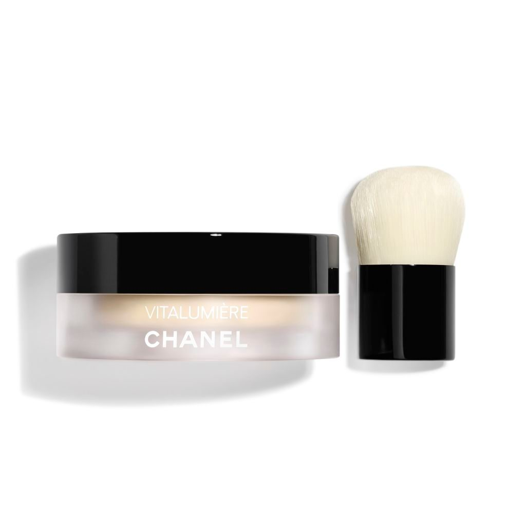 vitalumi re fond de teint poudre libre et mini pinceau kabuki spf 15 maquillage chanel. Black Bedroom Furniture Sets. Home Design Ideas