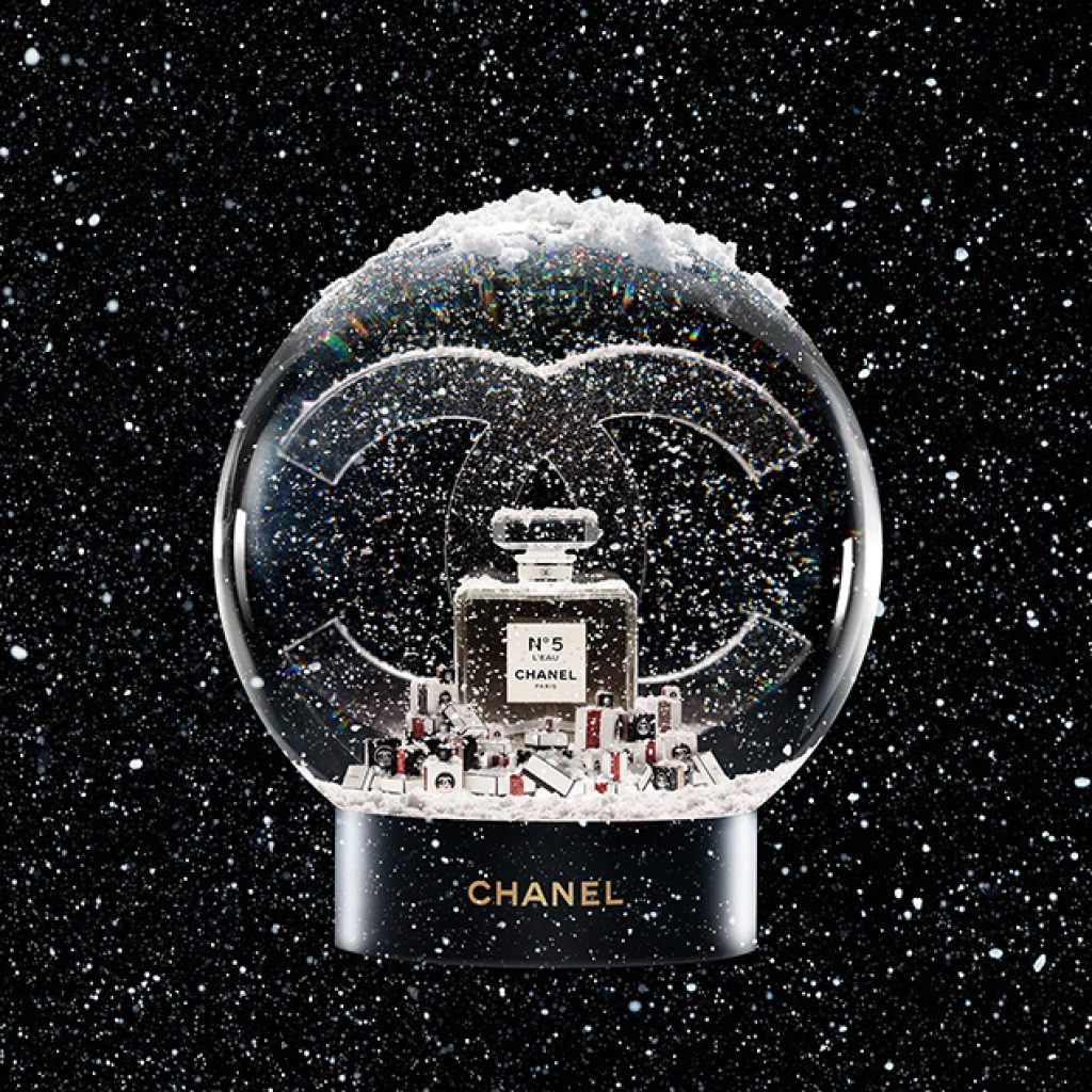 THE CHANEL SNOWGLOBE AT STANSTED AIRPORT
