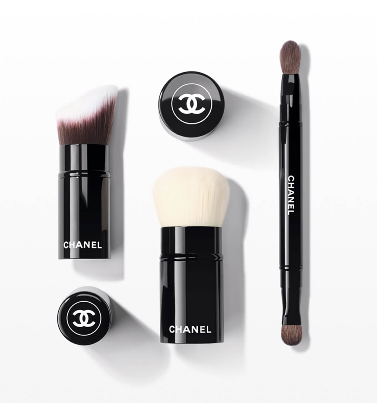 Face Brushes - Blush, Bronzer, Foundation Brushes | CHANEL