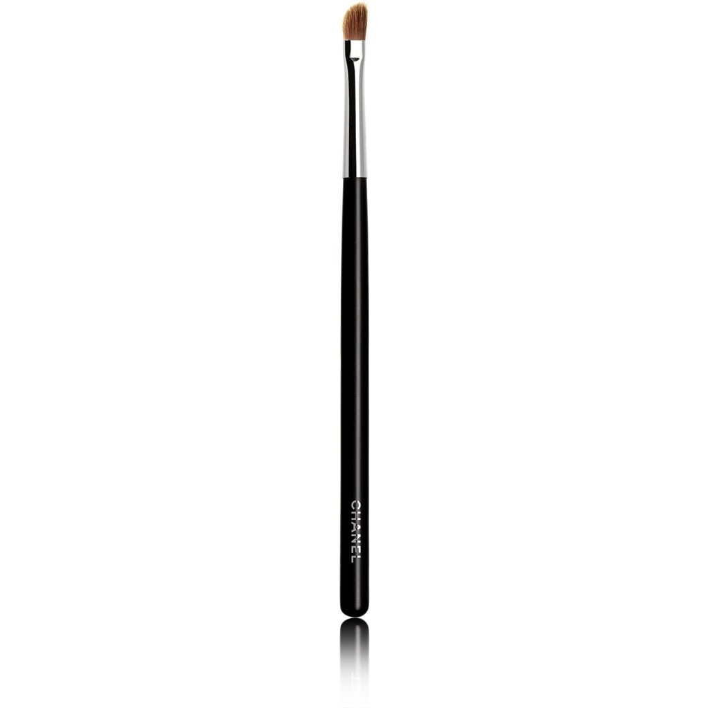 ANGLED LIP BRUSH N°33 ANGLED LIP BRUSH 1PCE