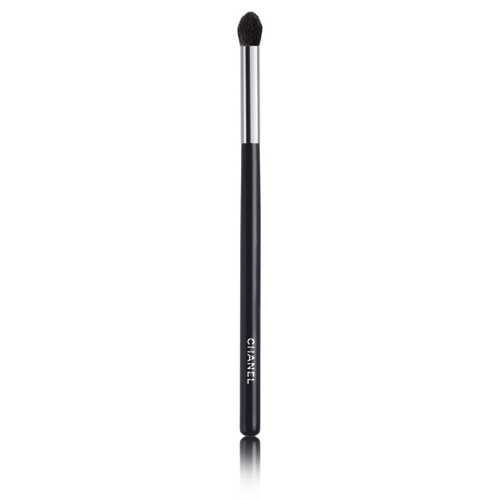 GRAND PINCEAU PAUPIÈRES ROND N°19 LARGE TAPERED BLENDING BRUSH