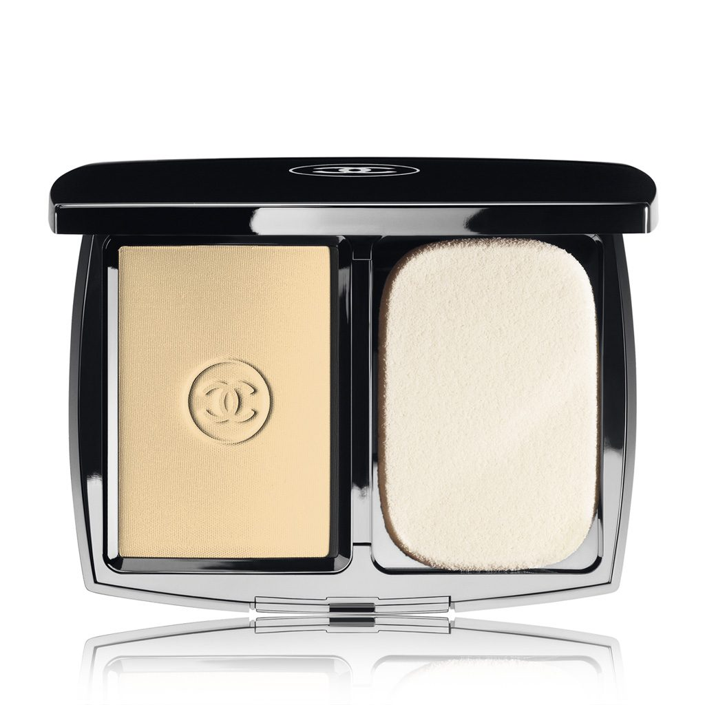 MAT LUMIÈRE LUMINOUS MATTE POWDER MAKEUP SPF 10